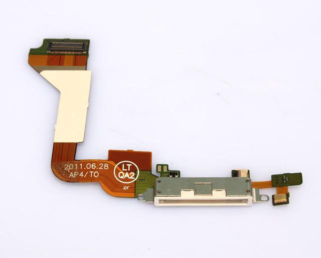 Шлейф (Flat cable) iPhone 4 с разъемом зарядки и микрофоном белый high copy